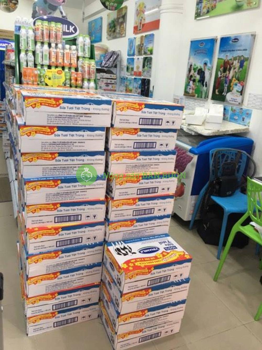Sữa Vinamilk giao hàng số lượng lớn
