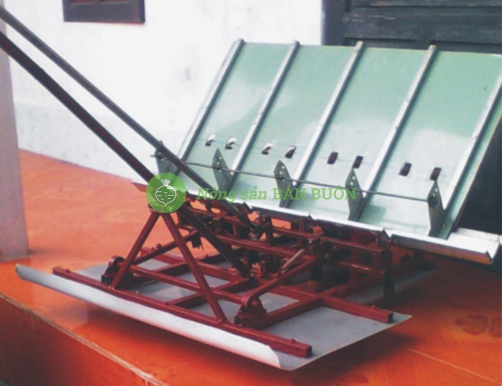 Máy cấy lúa mạ sân không động cơ