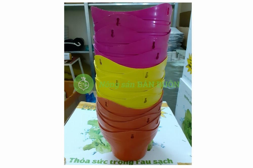 Chậu Nhựa Sóng Trung (có Móc Treo)