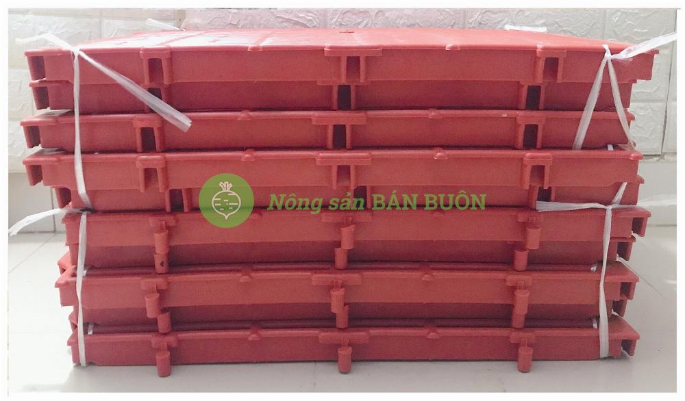 10 Tấm Nhựa Lót Sàn Chuồng Chó, Chuồng Heo, Mèo... Kích thước 40×60x3.5cm Có Thể Ghép Vào Nhau, Màu Đỏ - Tấm nhựa lót sàn đa năng màu Đỏ!