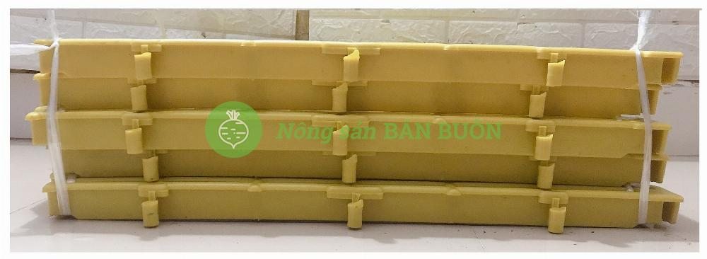 5 Tấm Nhựa Lót Sàn Chuồng Chó, Chuồng Heo, Mèo... Kích thước 40×60x3.5cm Có Thể Ghép Vào Nhau, Màu Vàng - Tấm nhựa lót sàn đa năng màu Vàng!