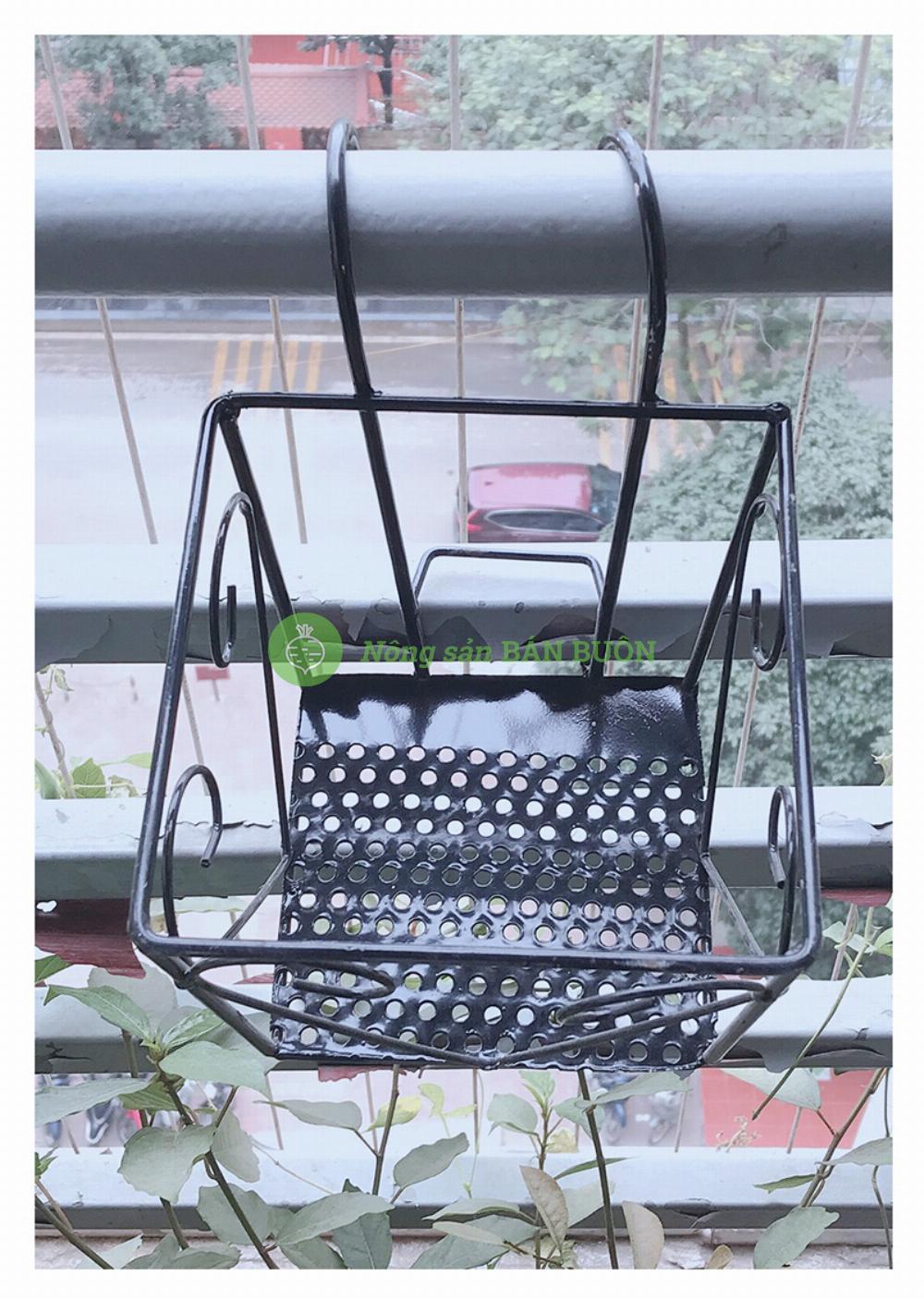 Giỏ Sắt 16x14cm - Màu ĐEN Hình Vuông Treo Chậu Hoa Lan Can Ban Công